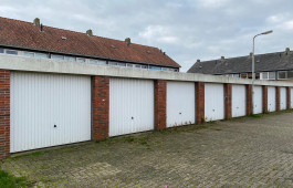 Garagebox Sneek, Spitaal 40